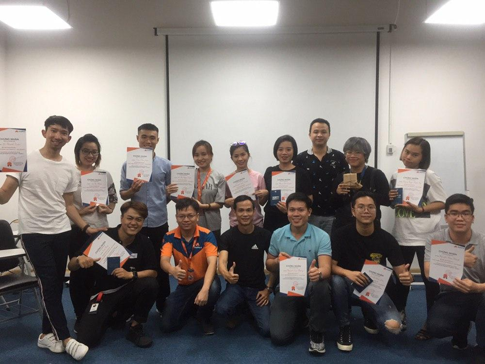 [Innovation] CHƯƠNG TRÌNH AHAMOVE LEADERSHIP DEVELOPMENT CHO AHA LEADERS